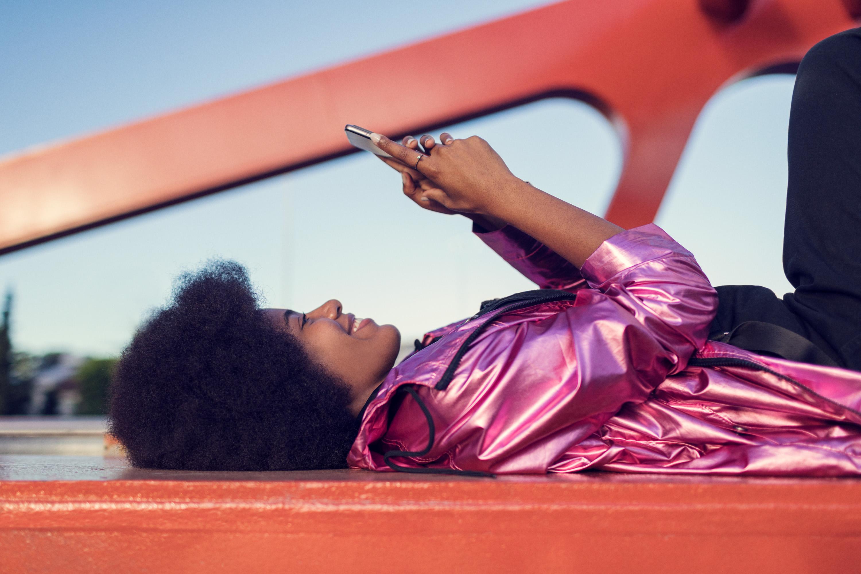 girl with Motorola phone